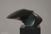 fotodocument bronzen beeld unidentified visible object 4